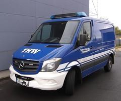 Mercedes Benz Sprinter 316 CDI - Gst Bielefeld (michaelausdetmold) Tags: mercedes sprinter katastrophenschutz kats mlw einsatz blaulicht thw bielefeld fahrzeug