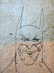 Graffito (pjarc) Tags: graffito graffiti spagna spain 2016 batman disegno foto photo colori colors figura nikon d40 dx lens zoom nikkor 18200mm