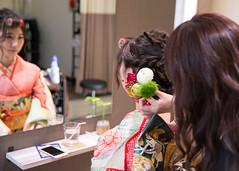 Setting flowers on hair (Apricot Cafe) Tags: img4905 20s asianethnicity canonef2470mmf28liiusm japan japaneseethnicity kimono tokyo beauty beautysalon ceremony culture enjoy hairsalon happiness oneperson peaceful seijinshiki woman youngadult minatoku tkyto jp