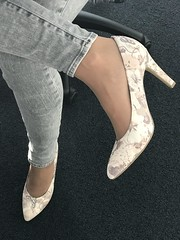 IMG_3724 (pantyhosestrumpfhose) Tags: pantyhose pantyhoselegs strumpfhose strmpfe bestrumpftebeine collants nylon nylonlegs shoe schuhe legs feet
