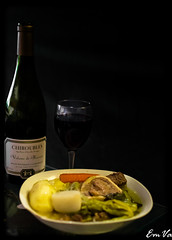 Pot-au-feu (Lalykse) Tags: 35mm bourgogne chiroubles emvaphotographie emvaphotography nikond3200 alcohol alcool beverage cook cookery cuisine glass gourmandise greed greedie green jaune lgume lgumes potaufeu redhead vegetable vegetables verre vert vin vinrouge wine yellow