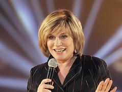 Sngerin Mary Roos wird 60 (bewhy1) Tags: gestik mikrofon lcheln kln nordrheinwestfalen deutschland