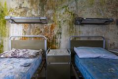 Treffen sich zwei Kassenpatienten (klickertrigger) Tags: abandoned hospital photography bed decay urbanexploration dust mould verlassen urbex staub verfall 2015 lostplace stefandietze