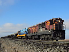 GR-12 (El Sirio) Tags: chile train tren gm iron locomotive ore freight norte fcn ferrocarril pellets emd colorados ffcc vallenar huasco gr12 ferronor