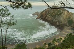 Mirando al Mar (GuillerML) Tags: landscapes mar nikon asturias playa paisaje nikkor turismo cudillero acantilado waterscapes cantabrico 18140 d3200 playadelsilencio castaeras mirandoalmar