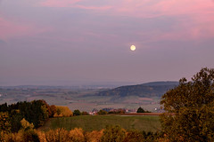 Autumn Moonrise (Gr@vity) Tags: autumn moon landscape fuji herbst moonrise fujifilm landschaft mondaufgang xt1