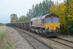 66020 Spooner Row 21/10/15 - In typically gloomy English weather, 66020 is captured passing through Spooner Row leading the 6M58 return empty service to Peak Forest. (rhayward92) Tags: 66 class dbs ews dbschenker 66020 6m58