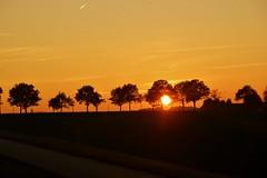 Zonsondergang in Limburg. (limburgs_heksje) Tags: herfst limburg zonsondergangen windraak