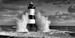 Wall of Water (Bewerley Snapper) Tags: penmon anglesey blackpoint lighthouse trwyndu autumn november storm sea waves wales