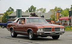 1971 Oldsmobile Cutlass Supreme (SPV Automotive) Tags: orange classic car 1971 coupe supreme oldsmobile cutlass