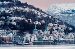 Winter in Bergen (Max Ozerov) Tags: city longexposure winter snow mountains norway norge nikon bergen bildekritikk