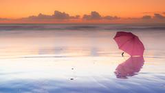 Tras la tormenta (alimoche67) Tags: josejurado sony alpha a7 amanecer playa costa vallcarca barcelona espaa paraguas silla