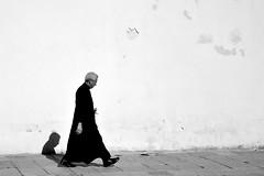 sunny priest (Stefano E) Tags: priest prete man uomo sole sun cagliari sardegna piazzapalazzo biancoenero blackandwhite candid street strada candidstreet urban people
