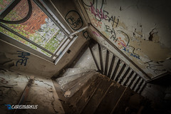... und runter (I) (Carismarkus) Tags: abandonedplace berlin brauerei lostplace urbex bärenquell treppe staircase treppenauge