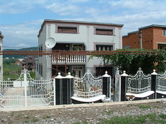 Alsapsa, romn keresked hza (ossian71) Tags: ukrajna ukraine krptalja alsapsa krptok carpathians plet building utca street