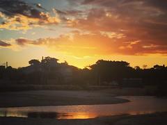 Refletindo o que tem de melhor! (deisegomes1) Tags: reflexos pôrdosol céu beach praia sky