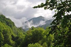 Le Mirabat entre soleil et nuages. (Claudia Sc.) Tags: pyrénées midipyrénées ariège estours france seix printemps forêt nuages montagne