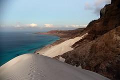 View to Riy Di Irisseyl (Eastern peninsula) (indomitablemachine) Tags: arher beach dunes island peninsula sea socotra steps yemen hadhramautgovernorate ye