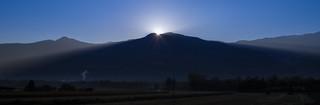 The sun wakes up...