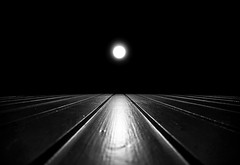 Simplicity (Explored: 19-11-2016 GTM 16:10) (Chacky) Tags: bw blackandwhite black min minimalistic monochrome mode metro mirror minimal minimali minimalism minimalist light street urban urbanphotograhy streetphotography night geometry germany deutschland mono moon