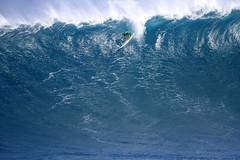 IMG_2245 copy (Aaron Lynton) Tags: surfing lyntonproductions canon 7d maui hawaii surf peahi jaws wsl big wave xxl