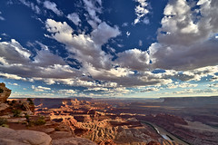Stormy Sunset at Dead Horse Point State Park (W_von_S) Tags: sunset sonnenuntergang wolken clouds wind sturm storm sky himmel felsen rocks greenriver deadhorsepointstatepark landscape landschaft panorama paysage paesaggio light licht drama sony wvons werner autumn herbst 2016 utah america amerika usa us outdoor wolke canyon wow
