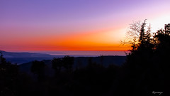 Di fronte un'incanto (kiareimages1) Tags: tiriolo calabria golfodilameziaterme colledelsignore sunsets summer tramonti coucherdesoleil estate images colors sky sea tirioloterradeiduemari