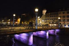 Pont Ste Madeleine - Strasbourg (sigi-sunshine) Tags: spaziergang nightwalk strasbourg strasburg france frankreich alsace elsass brcke pont bridge ill grandeile neon light urban nightlife night nacht nachtaufnahme laterne