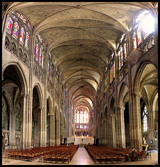 Baslica de Saint Denis. El naciminto del gtico. Interior / Saint Denis basilica. The birth of gothic style. Inside view. JX3. (Juanjo J) Tags: travel france art church architecture arquitectura interior basilica gothic panoramic viajes inside francia panormica gtico