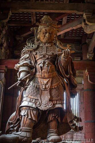 Drewniany posąg w świątyni Todaiji