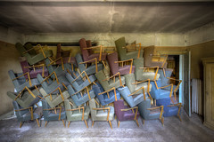 Stuhlkunst (Foto_Fix_Automat) Tags: urban abandoned deutschland decay urbanexploring verlassen urbanphotography urbex verfall marode vergessen stuh