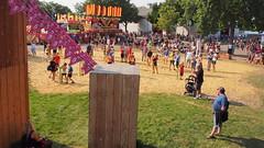 Giant Sing Along (Camera Bread) Tags: carnival usa minnesota statefair stpaul minnesotastatefair streetfestival mnstatefair onlyinminnesota giantsingalong crowdsofsummer