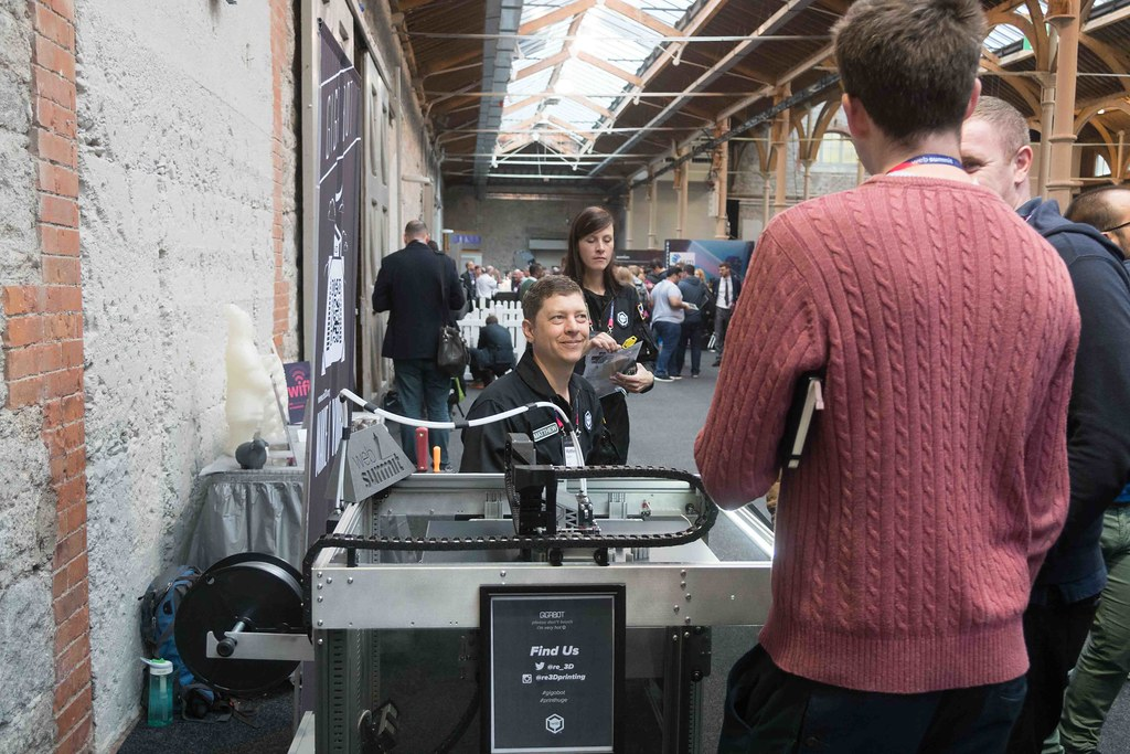 GIGABOT 3D PRINTER AT THE WEB SUMMIT IN DUBLIN 2015 [Re:3D]-109884