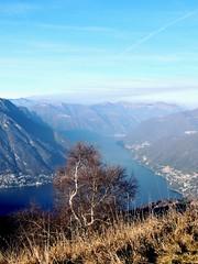 Boletto (Tu prova ad avere un mondo nel cuore...) Tags: mountain como italia co dicembre montagna lombardia decembre brunate 2015 prealpi boletto