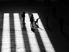 ** (donvucl) Tags: blackandwhite london shadows tatemodern handstand figures lightandshade donvucl olympusem1