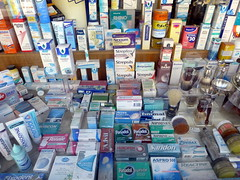 Zu Risiken und Nebenwirkungen lesen Sie die Packungsbeilage und fragen Sie Ihren Arzt oder Apotheker (guckma) Tags: kw40353 einsonce fragwrdig questionable apotheke medikamente maastricht holland niederlande