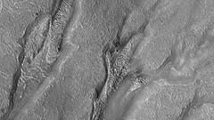 ESP_013702_1450 (UAHiRISE) Tags: mars nasa mro jpl universityofarizona ua uofa landscape geology science