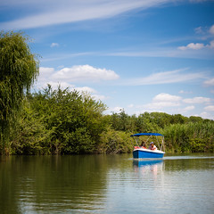Boat in marais poitevin (Zeeyolq Photography) Tags: boat france holidays maraispoitevin marans poitevinmarshes aquitainelimousinpoitoucharentes