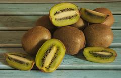 Kiwi (alejoisazae) Tags: seleccionar