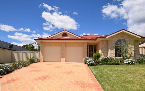 15 Warrigal Street, Nowra NSW 2541
