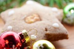 Weihnachtslebkuchen (Theo Crazzolara) Tags: weihnachten christmas xmas happy nikolaus santa christkind frhlich advent winter romantisch romantic food foodporn essen nahrung lecker sweet ss taste tasty delicious lebkuchen gingerbread ginger kuchen kekse cookies backen backery weihnachtsbckerei beckerei bckerei christmasbakery bakery braun brown edylisch merry chrimbo chrissie yule fest party feiern celebrate celebration decoration warm kuschelig kuscheln cosy cozy cuddly selfmade handgemacht selbstgemacht weihnachtslebkuchen macro makro closeup nahaufnahme stern star sweets ssigkeit advertisement