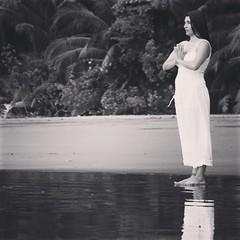 #namaste #beachyoga #yoga #rainforestyoga #yogaretreat enjoy your #retreat in #costarica the land of #puravida at LaCusingaLodge.com #wellness #spa #yogaeverydamnday #yogaeverywhere
