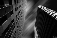 Paris_1116-44-2 (Mich.Ka) Tags: paris blackandwhite building cityscape faade geometric geometrique grafic graphique immeuble ladefense ligne line mur noiretblanc perspective town urbain urban ville wall ledefrance