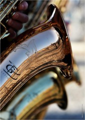 DJ 496 (cadayf) Tags: 33 gironde blaye tlthon musique saxo cuivre brass reflet reflection