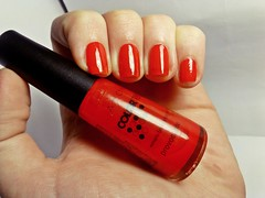 12 meses, 12 esmaltes: NOVEMBRO. (Raíssa S. (:) Tags: red esmalte unhas nails avon cremoso vermelho