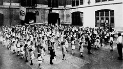#American children saluting during the Pledge of Allegiance to the U.S. flag in 1915 [3847x2169] #history #retro #vintage #dh #HistoryPorn http://ift.tt/2gQotFw (Histolines) Tags: histolines history timeline retro vinatage american children saluting during pledge allegiance us flag 1915 3847x2169 vintage dh historyporn httpifttt2gqotfw