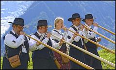 (wilphid) Tags: montagne folklore chamonix parc montblanc musique hautesavoie leshouches parcdemerlet