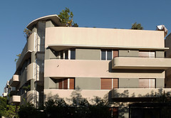 tel aviv bauhaus berlin (Israel Reiseleiter Ushi.Engel) Tags: israel tel aviv bauhaus international style architecture josef berlin