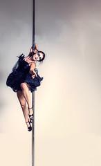 Black Swan Pole Dance (Tobi W I Fotografie) Tags: black swan model withe tanz shooting poledance balett