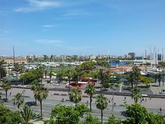 """Vistas desde un hotel hacia el Paseo de Colón • <a style=""""font-size:0.8em;"""" href=""""http://www.flickr.com/photos/78328875@N05/22655010543/"""" target=""""_blank"""">View on Flickr</a>"""